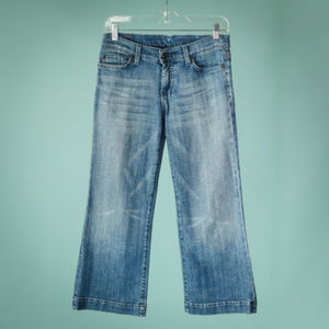 7FAM 26 Blue Dojo Crop Medium Wash Jeans